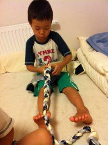 年長の課題『縄編み』、子供の意欲を掻き立てるには?